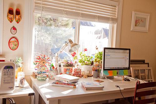 http://melle-lilyvia.cowblog.fr/images/Diary/desk.jpg