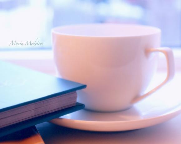 http://melle-lilyvia.cowblog.fr/images/HavingteabyCozyComfyCouch.jpg