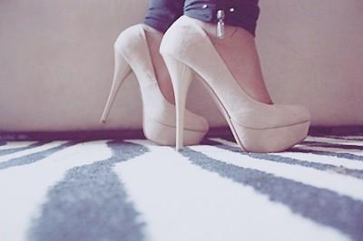 http://melle-lilyvia.cowblog.fr/images/Shoes/shoes4.jpg